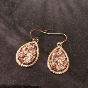 Jewelry - Rose gold Tear drop earrings.